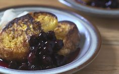 This mouthwatering French toast is made with a sweet custard and brioche loaf and covered with juicy blueberry compote Brioche Loaf, Brioche French Toast, Blueberry Compote, Blueberry Recipes, Food Shows, Brunch Recipes, Yummy Cakes, Sweet Tooth, Compote Recipe