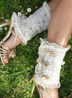 Meninas Super Glamurosas: Charmosas polainas de crochê...elas estão na moda ...