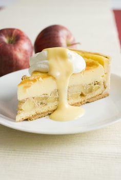 Rezeptbild: Bratapfelkuchen mit Eierlikoer Bratapfel-Eierlikoerkuchen (Weltmeister der Konditoren Manfred Bacher)