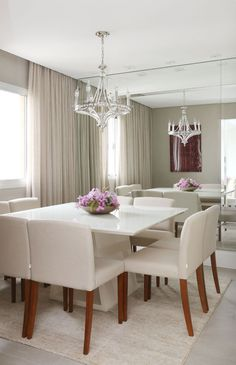 Tiny Apartment Living, Small Apartment Decorating, Dining Room Table Decor, Dining Room Design, Living Room Decor Inspiration, Luxury Dining Room, Square Dining Tables, Interior Design, Decoration
