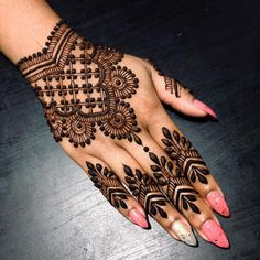 Mehndi henna designs are searchable by Pakistani women and girls. Women, girls and also kids apply henna on their hands, feet and also on neck to look more gorgeous and traditional. Henna Hand Designs, Eid Mehndi Designs, Mehndi Designs Finger, Mehndi Designs For Girls, Stylish Mehndi Designs, Mehndi Design Photos, Mehndi Designs For Fingers, Wedding Mehndi Designs, Beautiful Mehndi Design