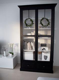 Distressed Furniture, Upcycled Furniture, Kitchen Shelf Decor, Kirkland Home Decor, Home Trends, Scandinavian Home, Home Staging, Home Decor Inspiration, Furniture Makeover