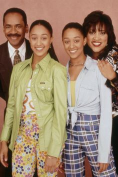 Do You Consider Yourself the Ultimate Sister, Sister Fan? Take Our Quiz and Find Out! Sisters Tv Show, Tia And Tamera Mowry, Black Tv Shows, 90s Inspired Outfits, Black Girl Aesthetic, 90s Aesthetic, Sisters Forever, African American Girl
