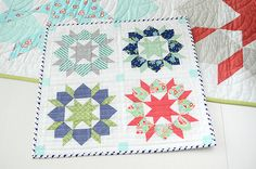 Mini Swoon by croskelley. Oh how I love Camielle Roskelley's patterns. I literally swoon :-)