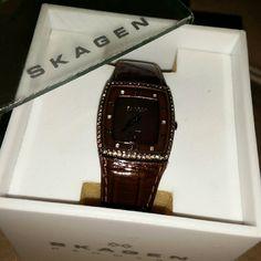 Skagen watch Good condition / mother pearl bezel, no scratches, trimmed w/brown stones. skagen Accessories Watches