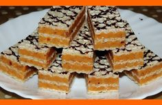 Ako je to možné, že táto griláž zmizne z tanierov najskôr 🙂 Czech Recipes, Russian Recipes, Christmas Sweets, Christmas Cooking, Sweet Desserts, Sweet Recipes, Baking Recipes, Cake Recipes, Condensed Milk Cake