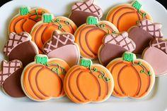 Adorable Fall Pumpkin and acorn cookies via @bakeat350tweets