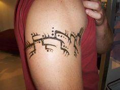 Variation on tribal arm band. Henna Tattoo Hand, Henna Art, Henna Tattoos, Henna For Boys, Body Modifications, Henna Designs, Tattoo Inspiration, Mehndi, Body Art