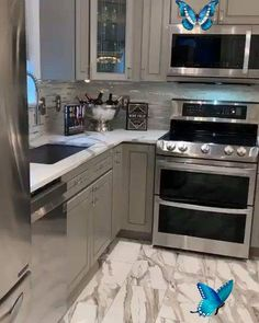 How amazing is this remodel done by my favorite couple on IG #luxurykitchendesign #kitchencrush #kitchendecor #interiorinspo #divine_design_decor #greykitchen #kitchenremodel #gorgeoushome #housebeautiful #hogar #casa #homedesign #homedecor<br> Diy Kitchen Remodel, Diy Kitchen Cabinets, Home Decor Kitchen, New Kitchen, Awesome Kitchen, Floors Kitchen, Kitchen Makeovers, Rustic Kitchen, Tiles For Kitchen