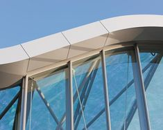 EQUITONE [pictura] is an eternit fibre cement facade material with an ultra matte architectural finish. Amsterdam, Curved Walls, Construction, Architectural Features, Material Design, Modern House Design, Cladding, Facade, Architecture Design