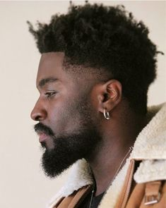 Check out the freshest temp fade haircut trends for men ranging from afro box fades, to mohawk temp fades, crew cuts with line ups, and many more! Mens Medium Length Hairstyles, Mens Hairstyles Fade, Try On Hairstyles, Hairstyle Ideas, Hairstyles 2018, African Hairstyles, Black Hairstyles, High Top Fade Haircut, Temp Fade Haircut