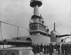 When the British Royal Navy launched the HMS Dreadnought in battleship design was transformed. This one ship was so powerful that everything The Spanish American War, American History, General Motors, Royal Navy, Us Navy, Uss Indiana, Us Battleships, Gun Turret, Capital Ship