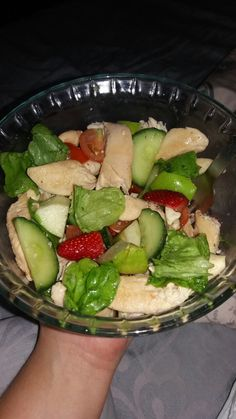 Green apple, strawberry, tomato, chicken breast, feta, cucumber, lettuce
