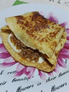 Τυρένιες κρέπες με κιμά Street Food, Allrecipes, Recipies, Tacos, Greek, Mexican, Foods, Breakfast, Ethnic Recipes