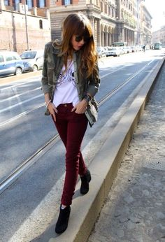 Pantalón vinotinto