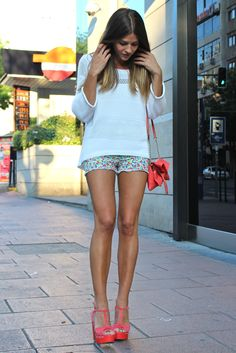 Oversize sweater, cute little floral shorts and coral wedges!