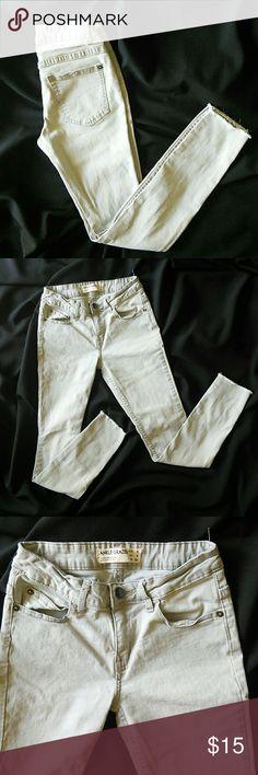 Cottonon Ankle grazer gray skinny jeans Light Gray skinny size 4 jeans. Frayed hem Cotton On Jeans Skinny
