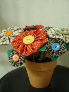 Yo-Yo Fabric Flowers in a terracotta pot √