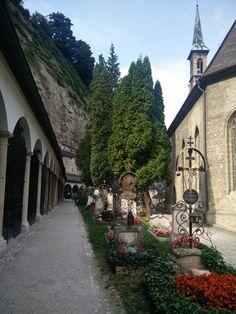 Salzburg, Sidewalk, Walkway, Walkways