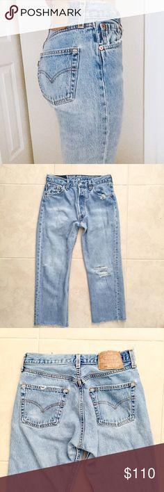 8898691c915f Perfect Vintage LEVI s 501 Jeans -tag reads W33 L30 ACTUAL MEASUREMENTS   -waist 14