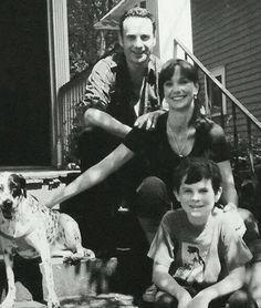 """Rick , en famille , heureux ... C'était au temps ou les """"rôdeurs"""" n'existaient pas"""