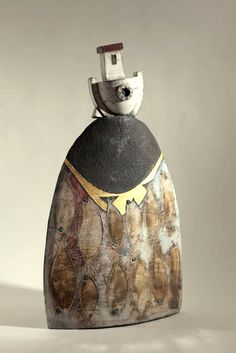 Sobre a questão da base x objeto!! 'Boat on rock, fish & gold' Raku-fired Ceramic by Rob Whelpton
