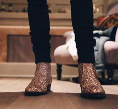 da2d7c9af427 Dougie Poynter Mcfly Mcbusted bass player Yves Saint Laurent YSL boots  glitter boots Black skinny jeans