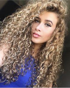 Curly Hair Baby, Curly Hair Model, Curly Hair Tips, Curly Girl, Wavy Hair, Curly Hair Stylist, Kids Curly Hairstyles, Curly Hair Problems, Crimped Hair