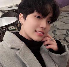 Korean Boys Ulzzang, Ulzzang Boy, Korean Men, Cute Korean, Cute Asian Guys, Asian Boys, Asian Men, Bad Boys, Cute Boys