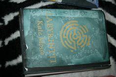 Labyrintti, Kate Mosse