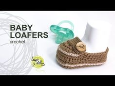 Baby booties are always fun to make; they are so cute and absolutely adorable! They are also fast and often the patterns are really simple. That's why boot Crochet Baby Boots Pattern, Baby Shoes, Loafers, Moccasins, Boat Shoes, Loafer, Kid Shoes, Penny Loafer