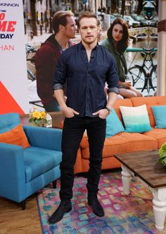 The star of Outlander and the new movie The Spy Who Dumped Me is dressed to the nines for his press tour. James Fraser Outlander, Sam Heughan Outlander, Outlander Tv, Outlander Series, Sam Hueghan, Sam And Cait, Sam Heughan Movies, Scottish Actors, Jamie And Claire