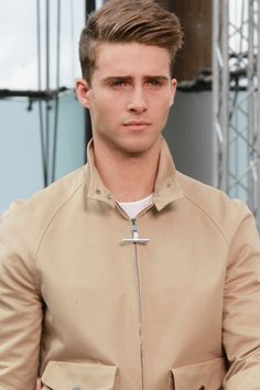 mens hair    For #hairstyles, advice and ideas visit    WWW.UKHAIRDRESSERS.COM