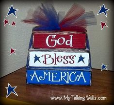 37 Fun 🤗 of July Crafts 🎨 to Make with Your Friends 👭 on Girls Night in 🏡 . Fourth Of July Decor, 4th Of July Decorations, 4th Of July Party, July 4th, Birthday Decorations, Summer Crafts, Holiday Crafts, Holiday Fun, Holiday Decor
