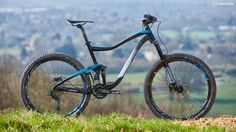 The Trance frame is totally up to date  with neat internal cable routing  a carbon linkage and Boost rear axle