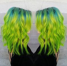 Alternative Chic! Green Hair - Teal Hair - Hair Inspiration  http://SugarSkullLife.com?utm_content=buffer40e4f&utm_medium=social&utm_source=pinterest.com&utm_campaign=buffer