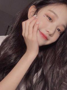 Cute Korean Girl, Asian Girl, Jang Wooyoung, Uzzlang Girl, Woo Young, Japanese Girl Group, Korean Beauty, Pretty People, Kpop Girls