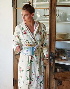 Pip Studio badjas Granny Pip Antiek Wit | Luxe badjas | Katoen  #pip studio #badjas #badkamer #badgoed
