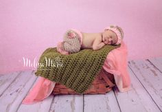 Baby Girl Camo Pants Hat and Mini Blanket Set by ThePatchworkNest