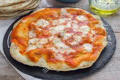 PIZZA LAMPO 10 MINUTI Hawaiian Pizza, Food And Drink, Cheese, Recipes, Sanitary Napkin, Baking Soda, Dinner, Pies, Recipies