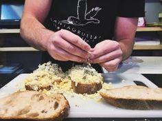 Los 5 mejores bocadillos de Madrid Mercado Madrid, Sandwiches, Feta, Dairy, Cheese, Cooking, Get Well Soon, Blue Prints