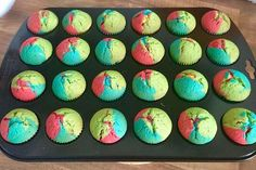 Schnelle Rainbow-Muffins - Food and drink - Rainbow Strawberry Muffins, Raspberry Smoothie, Apple Smoothies, Blue Berry Muffins, Rainbow Muffins, Rainbow Cupcakes, Easter Cupcakes, Nutella Muffins, Applesauce Muffins