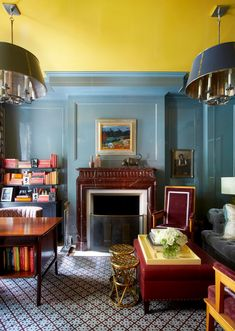 41 Popular Living Room Color Schemes And Ideas For Decor Blue Rooms, Blue Walls, Room Colors, Paint Colors, Wall Colours, Wabi Sabi, Yellow Ceiling, Ceiling Color, Living Room Color Schemes