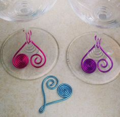Set of 6  wine glass charms van WiredWeddings op Etsy