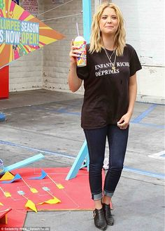 You could have made an effort! Ashley Benson is dishevelled in ...