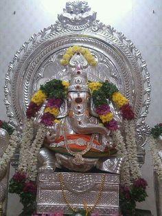 Ganesh Temple, Sri Ganesh, Ganesh Lord, Ganesh Images, Ganesha Pictures, Astrology Telugu, Sri Rama, Lord Shiva Family, Ganpati Bappa