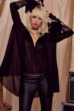 I want to paint it black. Metal, goth hippie, bohemian goth, strega, Stevie Nicks