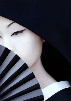 Hideyuki Takahashi x Saori Takeuchi White Photography, Portrait Photography, Fashion Photography, Artistic Photography, Photography Women, Japanese Beauty, Asian Beauty, Japanese Face, Japanese Kimono