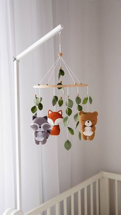 Woodland Mobile, Woodland Nursery Decor, Woodland Baby, Baby Mobile, Felt Mobile, Diy Bebe, Baby Crafts, Felt Crafts, Creation Couture