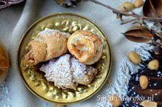 Rogaliki z kajmakiem i solonymi orzechami - SmakiMaroka.pl Hummus, Oatmeal, Menu, Breakfast, Ethnic Recipes, Impreza, Food, Cakes, Ideas